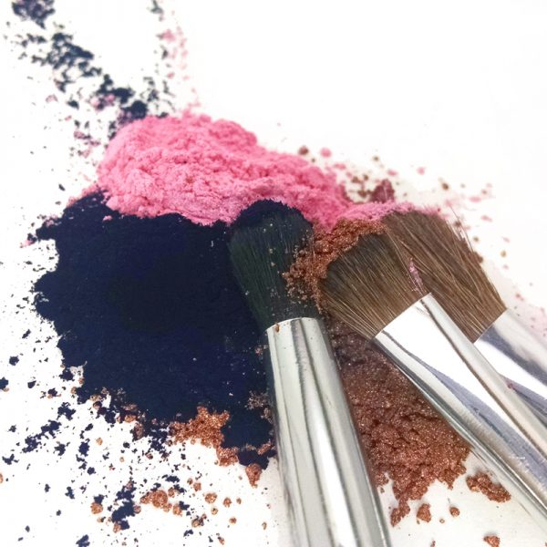 """Rich results on Google's SERP when searching for """"custom eyeshadow"""" four loose mineral colors with makeup brushes blended eyeshadow making custom makeup"""