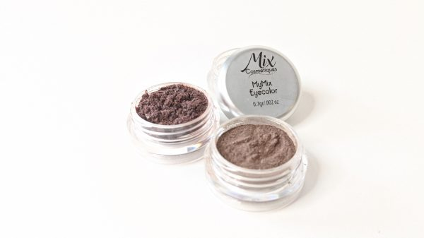 """Rich results on Google's SERP when searching for """"custom makeup"""" loose mineral eyeshadow in brown tones 3 eyeshadows"""